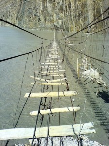 dangerous-rope-bridge-1