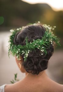 22-evergreen-boho-flower-crown-is-a-great-idea
